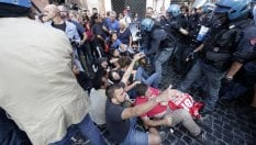 Roma, sgomberi: tensione in centro per il sit-in dei movimenti per la casa